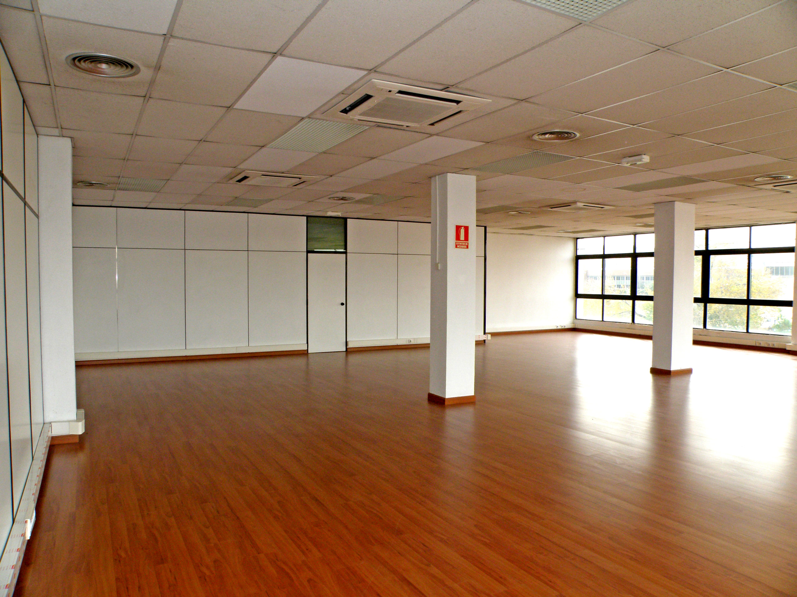 Oficina representativa 240 metros
